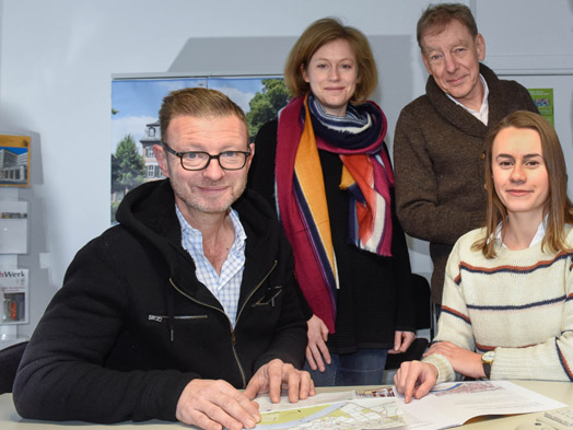 The Höchst project team, from left to right: Dr. Jürgen Schmitt (ProjectCity), Anne Lederer (City Planning Department), Frank Ammon (ammon + sturm), Jenny Nussbaum (ProjectCity), © Nassauische Heimstätte